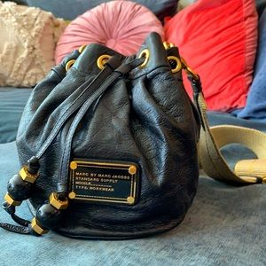 Marc Jacobs : Black Leather Bucket bag